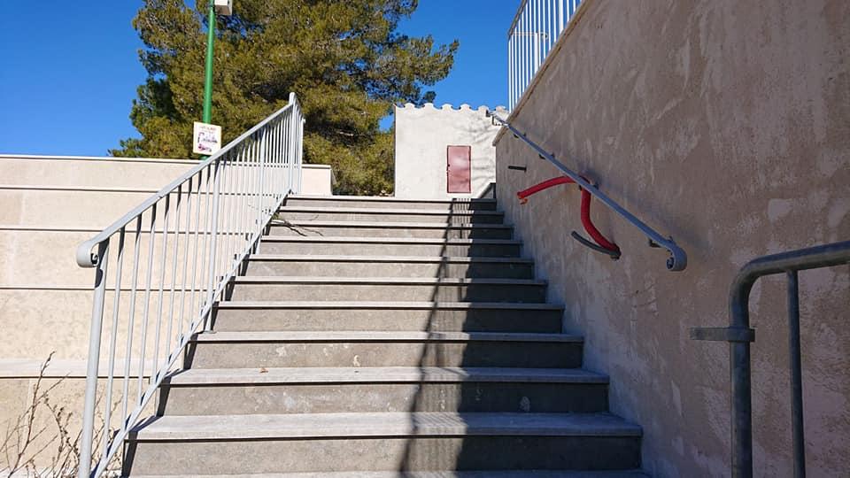 auditorium escalier exterieur dacosta pavage dallage en pierre naturelle