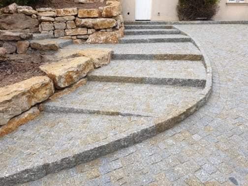 Escalier en granit mixte